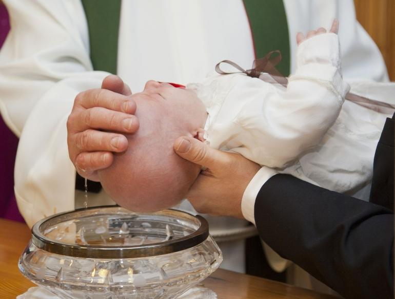 Jaki prezent na chrzciny dla dziewczynki