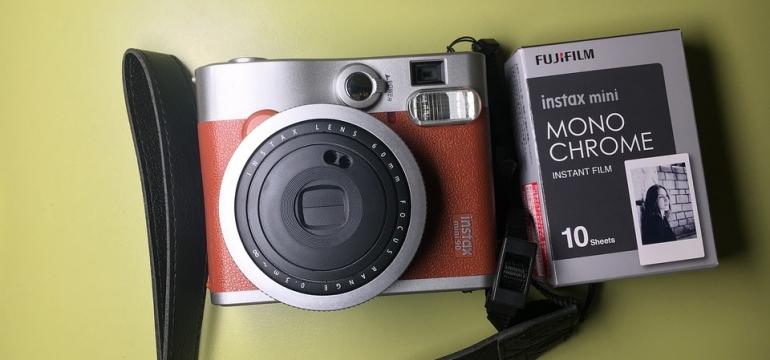 aparat fotograficzny czy Instax